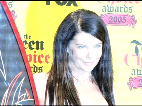 Lauren Graham at the 2005 Teen Choice Awards press room at the Universal Amphitheatre in Universal City California on August 15 2005