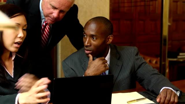 Lawyers Prepare for Trial - verC
