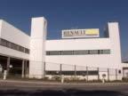 Le directeur g�n�ral du constructeur automobile fran�ais Renault Patrick Pelata a assur� mercredi qu' il y aura toujours des Clio produites � Flins...