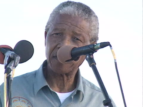 ANC leader Nelson Mandela states that his party wants to build a million houses during a speech at an ANC rally