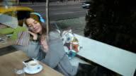 Leisure time in a cafè