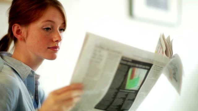 Lifestyle newspaper girl    CM  LI  RE