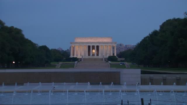 HD Lincoln Memorial Dawn ZoomIn_1 (1080/24P)