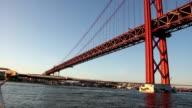 Lisboa Barco Tejo ponte 25 abril