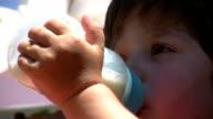 Little Boy und Milch