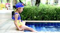 Little girl learn to swimming lesson