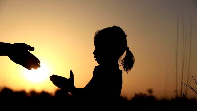 Little Girl Praying silhouet