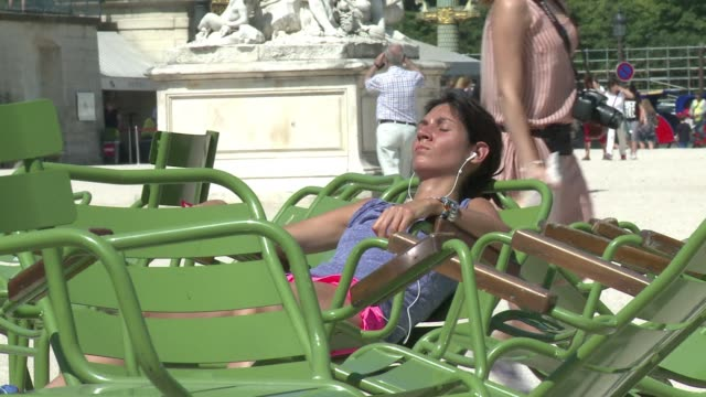 Locals and tourists are enjoying the heatwave in France with temperatures soaring above 30 degrees