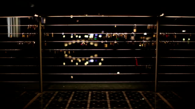 HD: Locks On The Bridge
