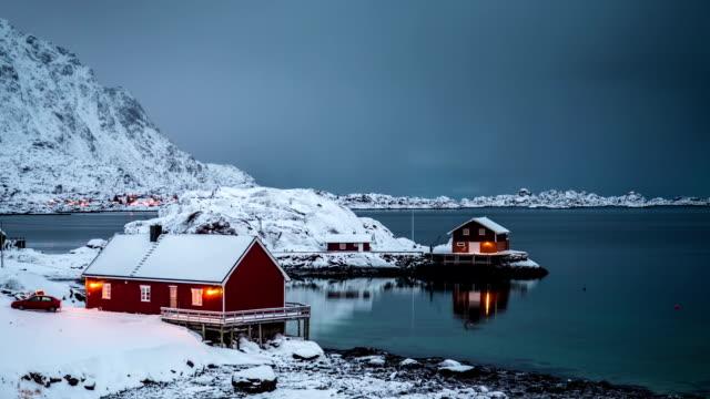 ZEITRAFFER: Lofoten Winter-Landschaft in Norwegen