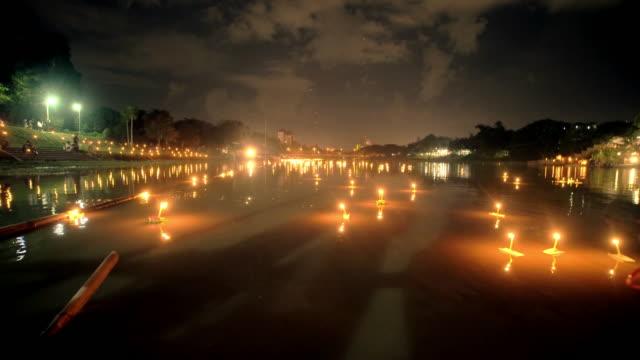 Festa di Loi Krathong Festival tradizionale