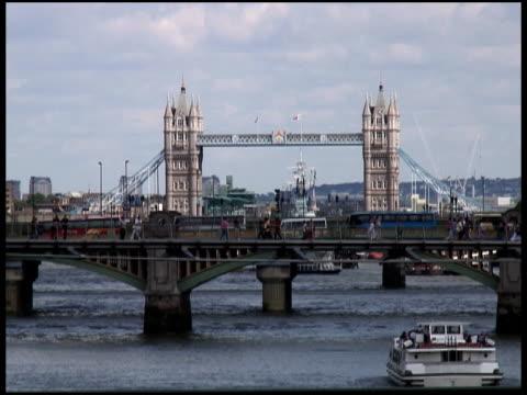 London 3D Traffic From Bridge