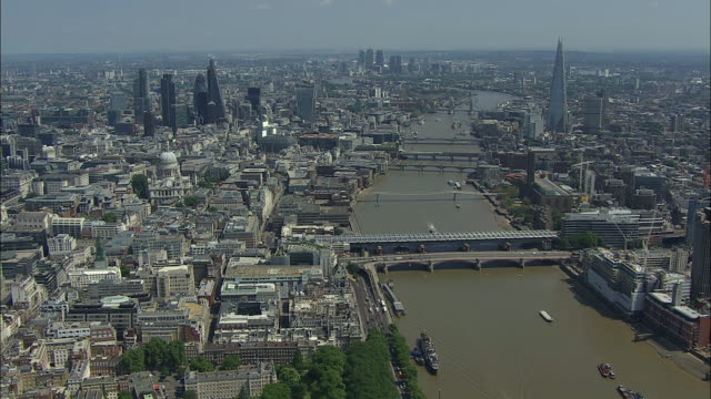 London Aerial: Covent Garden to Tower Bridge