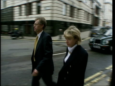 London Nigel Dando brother of Jill Dando arriving at court PAN for trial of Barry George for his sisters murder Alan Farthing fiance of Jill Dando...