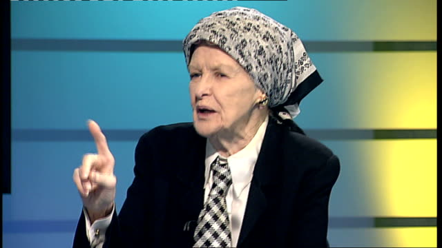 London GIR INT Elaine Stritch interview SOT