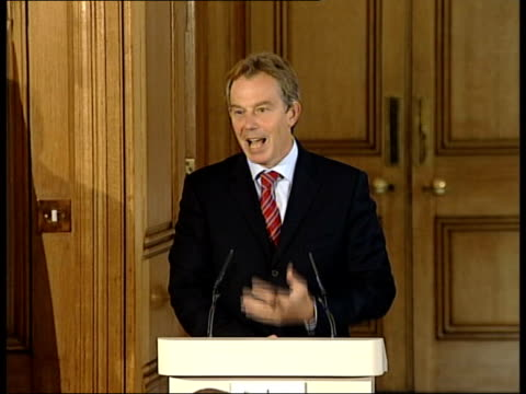 Tony Blair MP standing at podium with Iraqi prime minister Iyad Allawi Tony Blair MP speaking to press SOT In this conflict now taking place in Iraq...