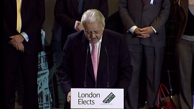 Boris Johnson victory speech ENGLAND London City Hall PHOTOGRAPHY *** Mayoral candidates on stage Anthony Mayer speech SOT Declares results of 2008...