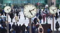 4K London passengers in rush hour, England, UK