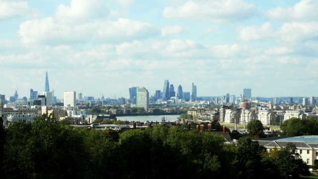 T/L London Skyline Viewed From Greenwich Park