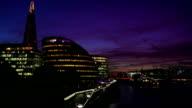 T/L London Southwark auf den Fluss und die Stadt bei Nacht