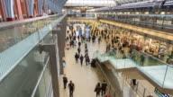 London St Pancras station crowds