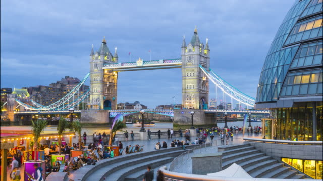 London, time lapse with tower bridge