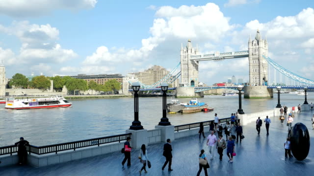 London Tower Bridge And The Queen's Walk (4K/UHD to HD)