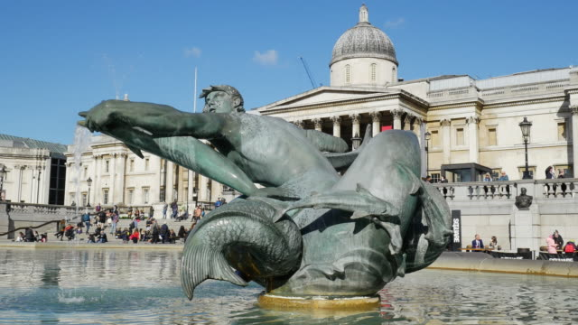 London Trafalgar Square Fountain And National Gallery (UHD)