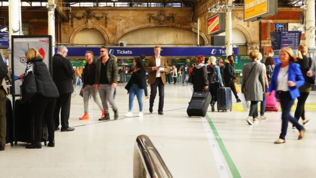 Londoner Bahnhof Victoria (UHD