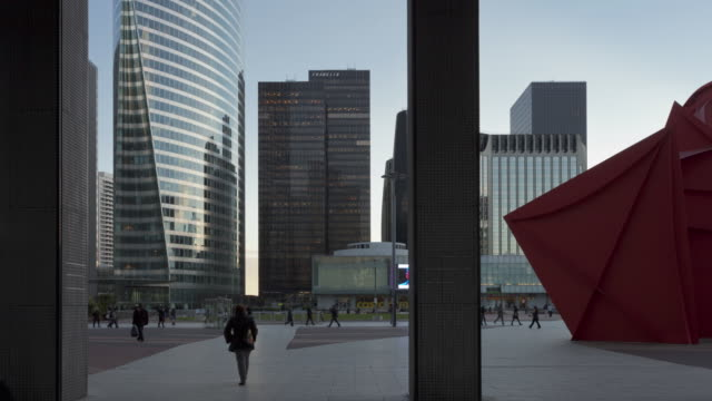 Long Time lapse tracking shot on La Defense platform in Paris