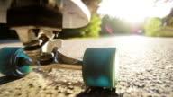 Longboard Downhill Sommer-Skateboardfahren