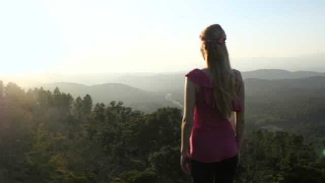 Suchen Sie im Panoramablick und ein Gefühl der Freiheit