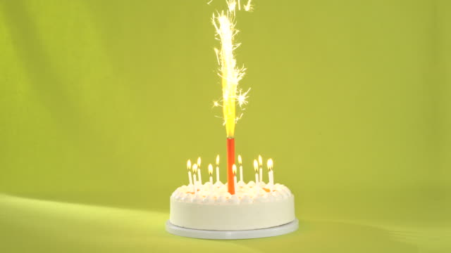 looping sparkler on tart