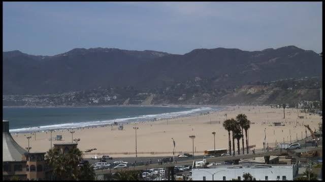 (HD1080i) Los Angeles: Santa Monica Pier Beachscape mit Verkehr