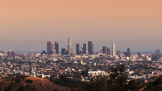 Los Angeles Skyline bei Sonnenuntergang (zoom HD