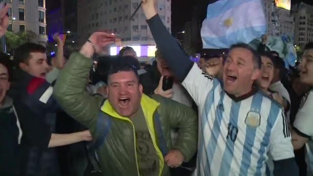 Los argentinos se desahogaron tras el triunfo de su seleccion ante Ecuador que les dio la clasificacion al Mundial de Rusia 2018