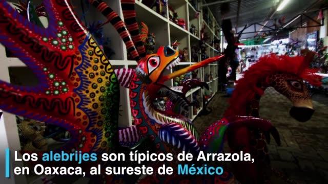Los artesanos de Arrazola Oaxaca al sureste de Mexico elaboran tallas tipicas con motivos inspirados en las fantasias y la imaginacion local un...