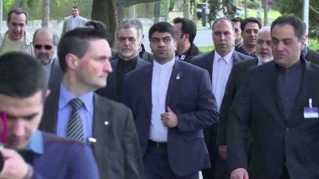 Los diplomaticos reunidos en Lausana quieren llegar a un acuerdo politico sobre el programa nuclear irani pero la incertidumbre sobre el exito de las...