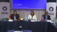 Los fiscales generales de Iberoamerica apoyaron a su colega venezolana Luisa Ortega mediante una declaracion conjunta en Buenos Aires en la que...