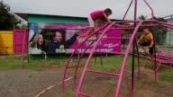 Los habitantes de una ciudadela en Nicaragua se han convertido en fieles seguidores del presidente Daniel Ortega gracias a una serie de programas...