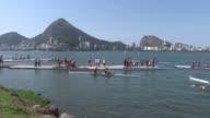 Los jovenes que participan del evento test de remo para los Juegos Olimpicos 2016 no se quejan de la contaminacion de la laguna de Rio de Janeiro que...