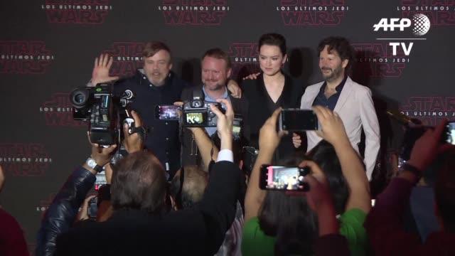 Los protagonistas y el director de Star Wars Los ultimos Jedi promocionaron el martes en Mexico el Episodio VIII de la saga de ciencia ficcion