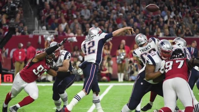 Los seguidores de los New England Patriots continúan festejando una de las victorias más emocionantes en la historia del Superbowl tras regresar de...