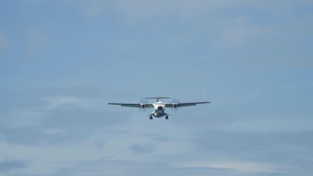 Low flying airplane landing