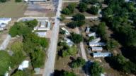 Verlagen naar beneden cloesr kijken naar huizen vernield samen van de Orkaan Harvey Flash overstroming in de zone van de La Grange, Texas kleine stad Gulf Coast schade van Orkaan Harvey Path of Destruction.