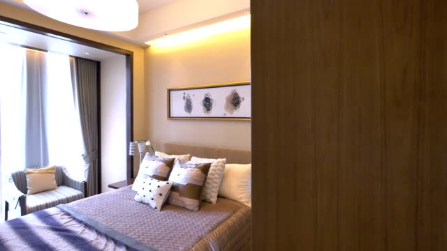 Campione camera da letto di lusso e stile, tempo reale.
