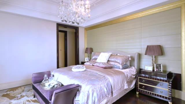 Campione interni di lusso della camera da letto e stile, tempo reale.