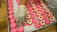 Macaroons assembly wide