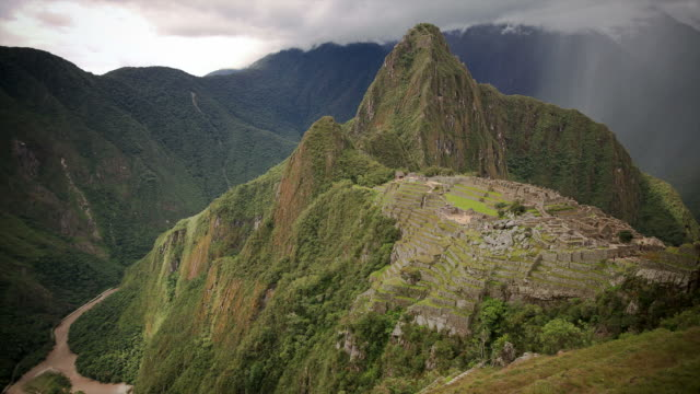 Macchu Picchu HD timelapse. Peru
