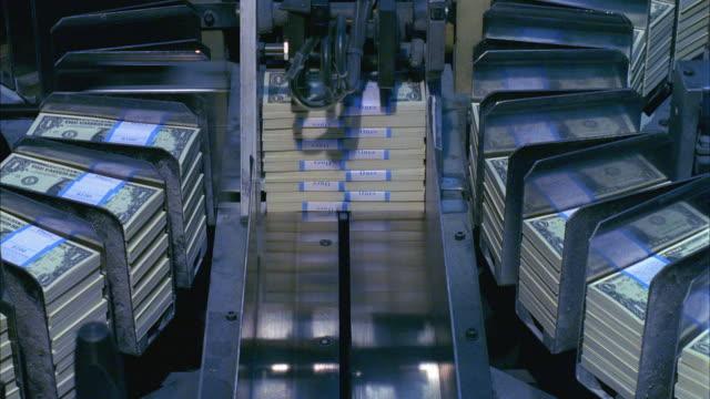 CU, Machine sorting one dollar bill stacks, Washington DC, USA